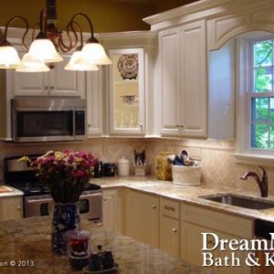 Traditional Wood Kitchen Cabinets