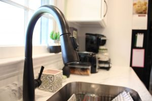 Modern faucet to compliment the kitchen makeover