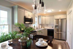 Pretty and bright kitchen
